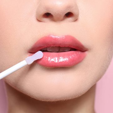 How to make any matte lipstick glossy in 1 minute or less